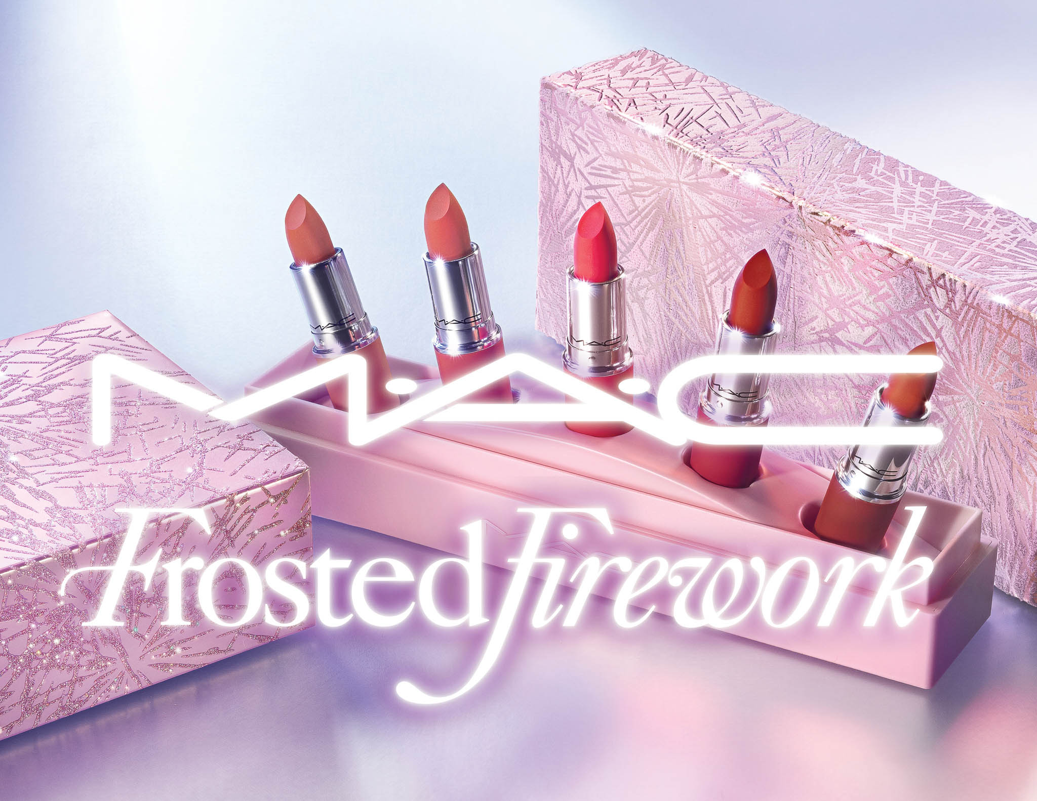 MAC_Holiday_ICC_crops_Ambient_Global_Priority_kits_showstopper-p